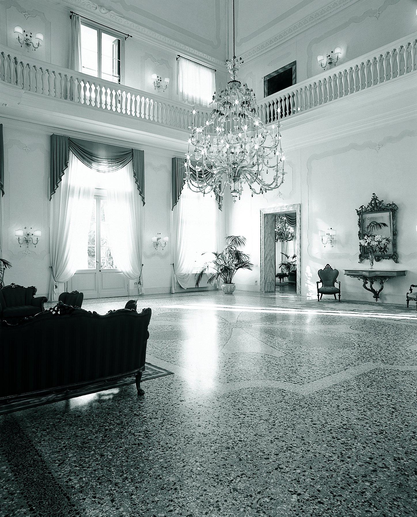 Villa Sandi inside