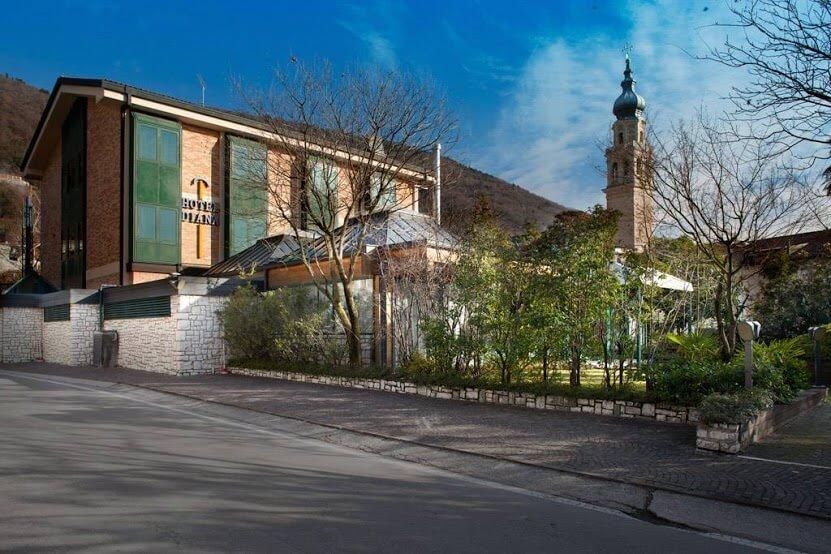 Hotel Diana-1